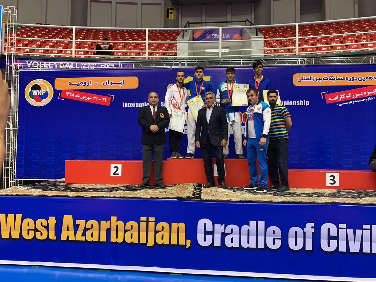 Gənc karateçilərimiz medalların sayın artırdılar